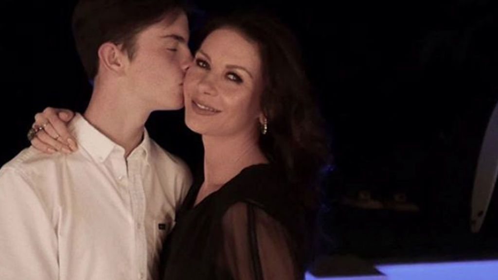 Catherine Zeta-Jones felicita con un vídeo 'remember' a su hijo, Dylan