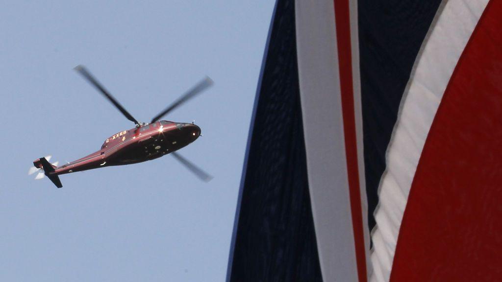 Prisión un expolicía británico por grabar a nudistas desde un helicóptero policial