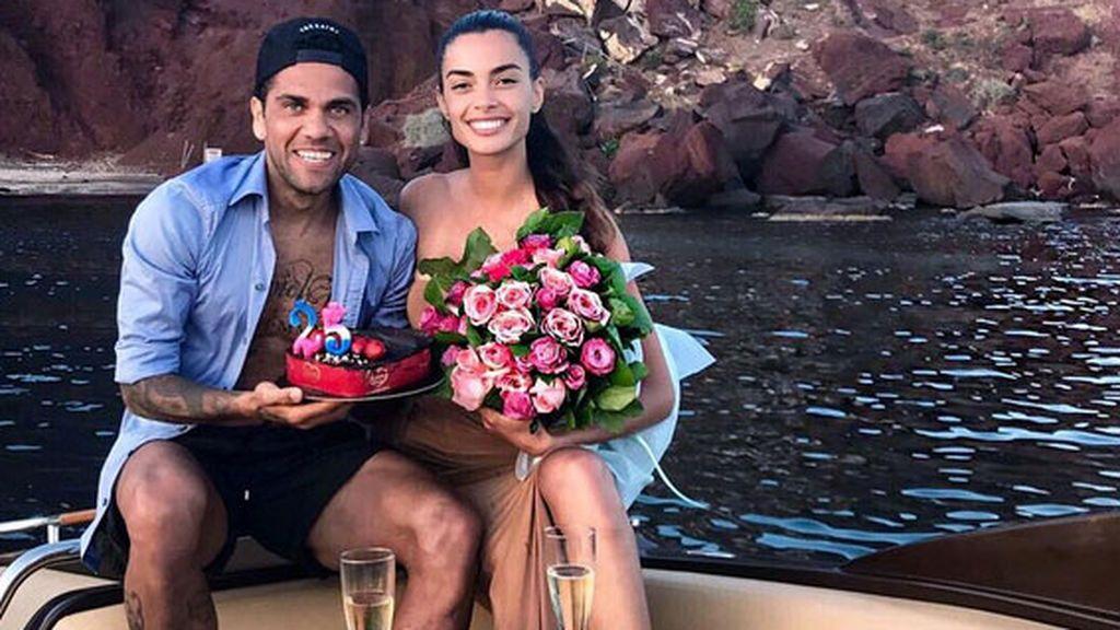 Dani Alves y su mujer, ¡puro amor! Muestran el vídeo más íntimo de su boda