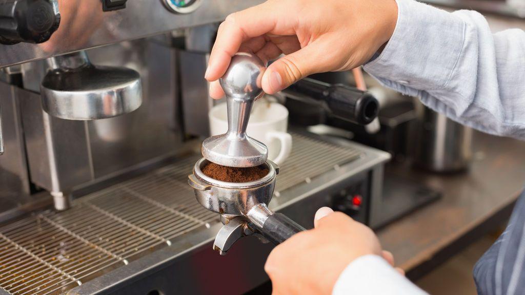 Una cafetería establece un impuesto voluntario para hombres para luchar por la igualdad