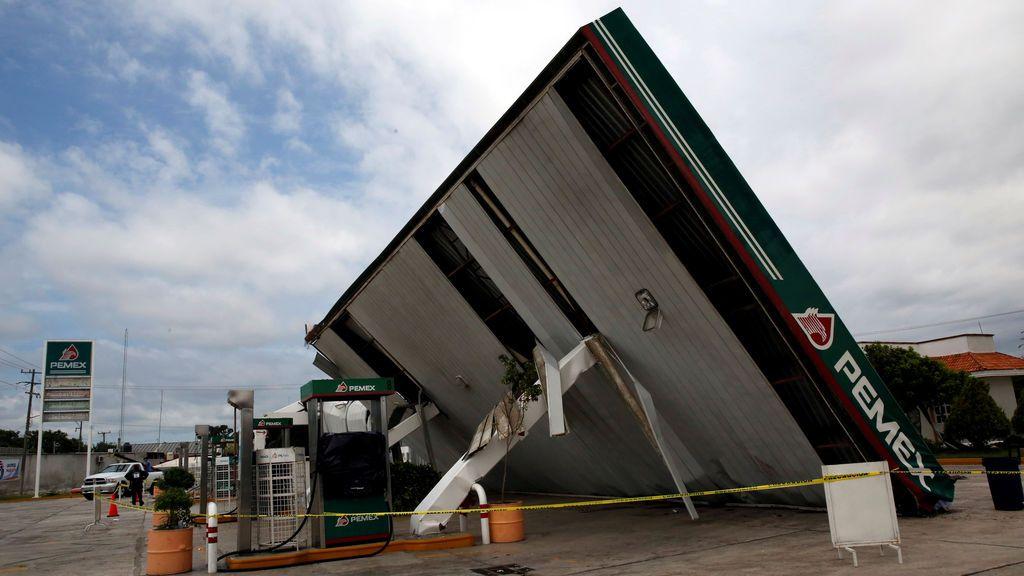 El huracán 'Franklin' deja incomunicadas a 13.000 personas en México