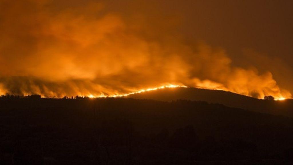 Dos jóvenes de 20 años acusados en Galicia de 13 incendios forestales