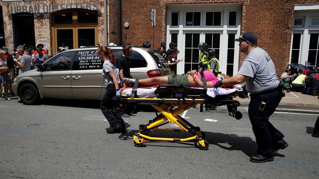 Varios heridos por un atropellamiento masivo durante la protesta en Charlottesville