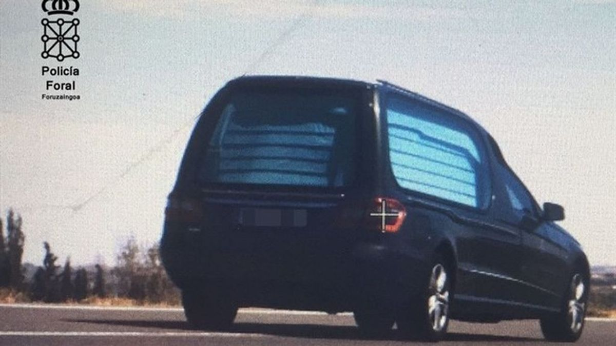 Denunciado el conductor de un vehículo fúnebre por circular a 150 km/h en Tudela