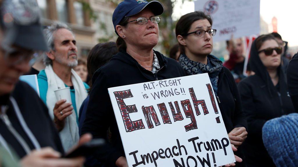 """Trump condena la violencia de """"todas las partes"""" implicadas en Charlottesville"""