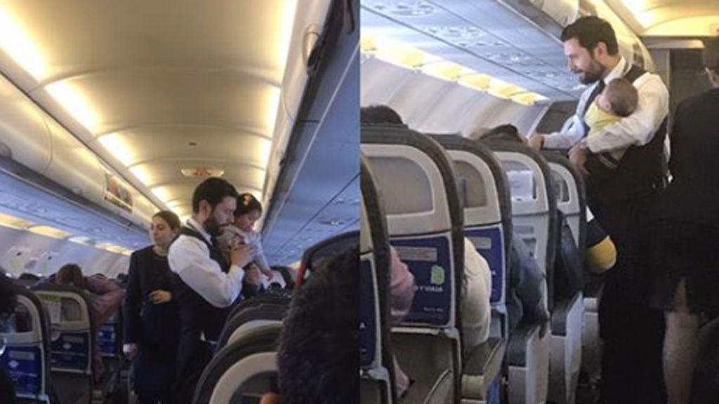 El tierno gesto de un miembro de tripulación con un bebé en pleno vuelo