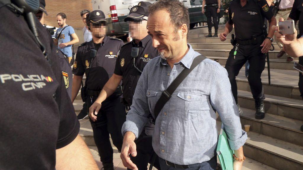 El padre de los hijos de Juana Rivas estudia querellarse contra el alcalde de Maracena