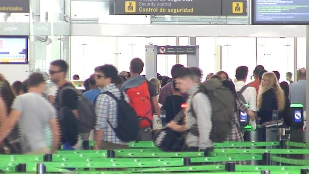 Consejo de Ministros extraordinario para tratar de acabar con la huelga indefinida en El Prat