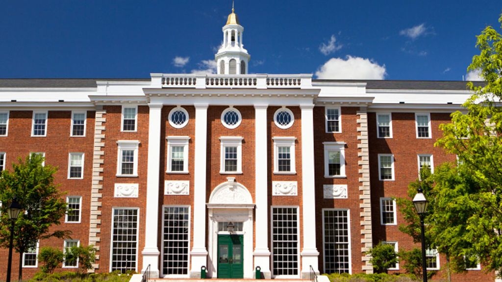 Harvard, Stanford y Cambridge, las tres mejores universidades del mundo