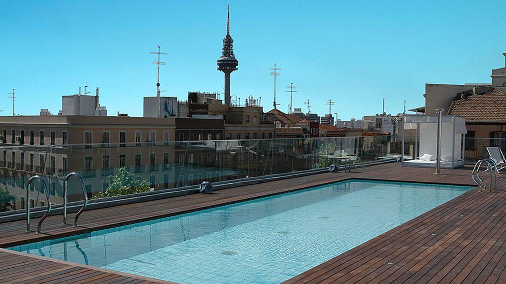 ¿Agosto y en la ciudad? Vete de oasis piscinero por las azoteas de Madrid por 50 euros o menos