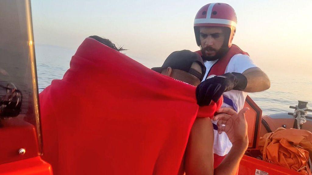 Cruz Roja supera los 3.000 inmigrantes atendidos en las costas de Cádiz, el doble que en todo 2016