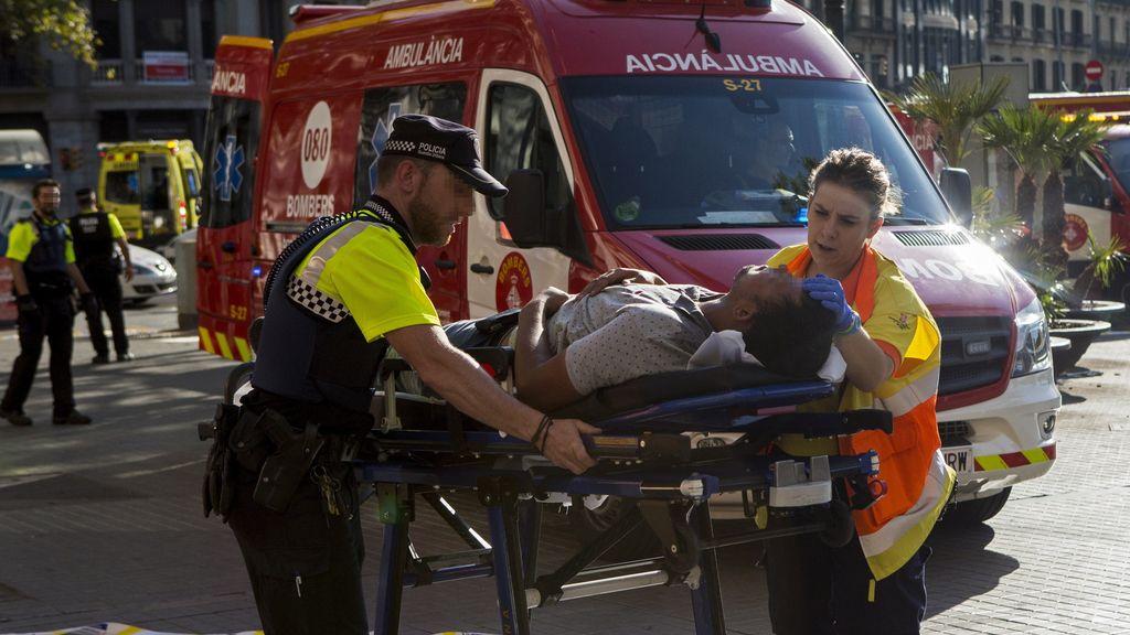 Atentado en Barcelona:  Un terrorista mata a 13 personas atropellándolas con un furgoneta