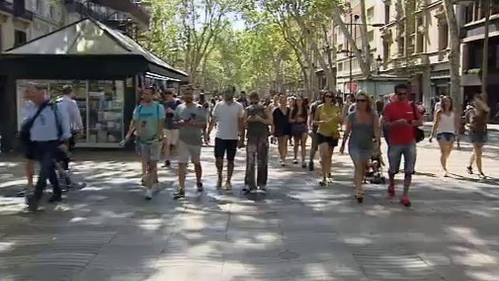 Reconstruimos el trágico recorrido de la furgoneta que ha atentado en Barcelona