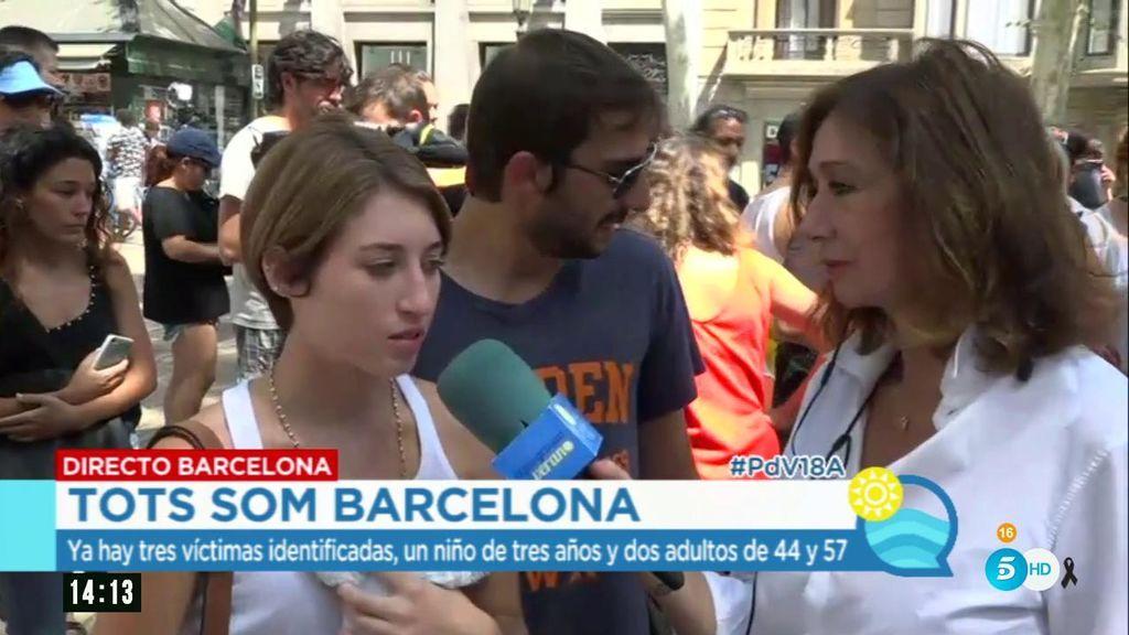 """Una pareja, muy emocionada en Canaletas: """"Me cambiaría por cualquier niño que estaba en el suelo"""""""