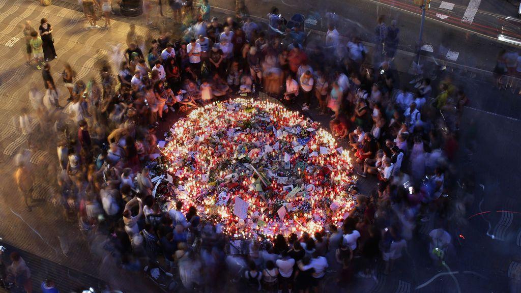 Homenaje a las víctimas del atentado terrorista en Barcelona