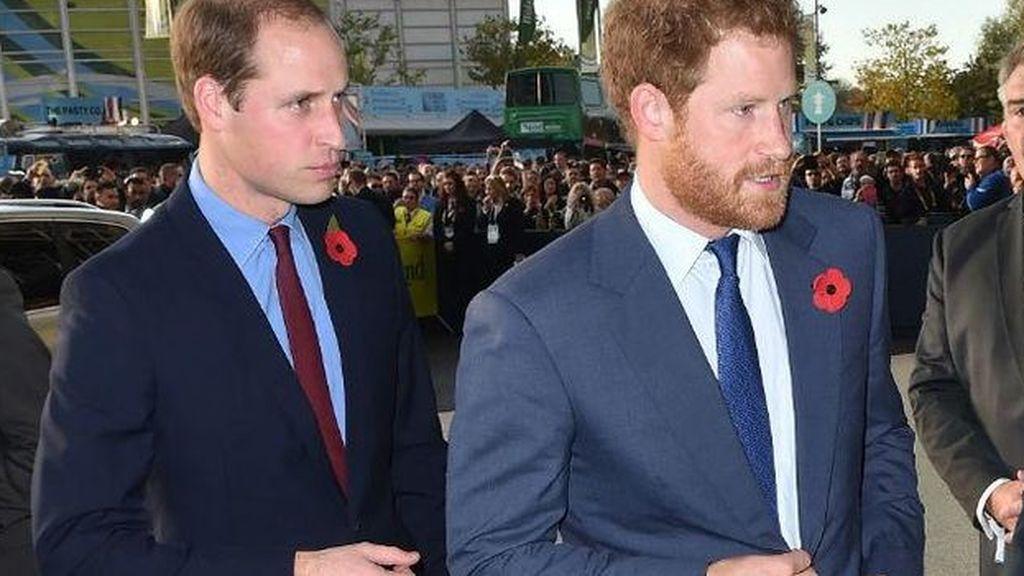 Principes Guillermo y Enrique de Inglaterra
