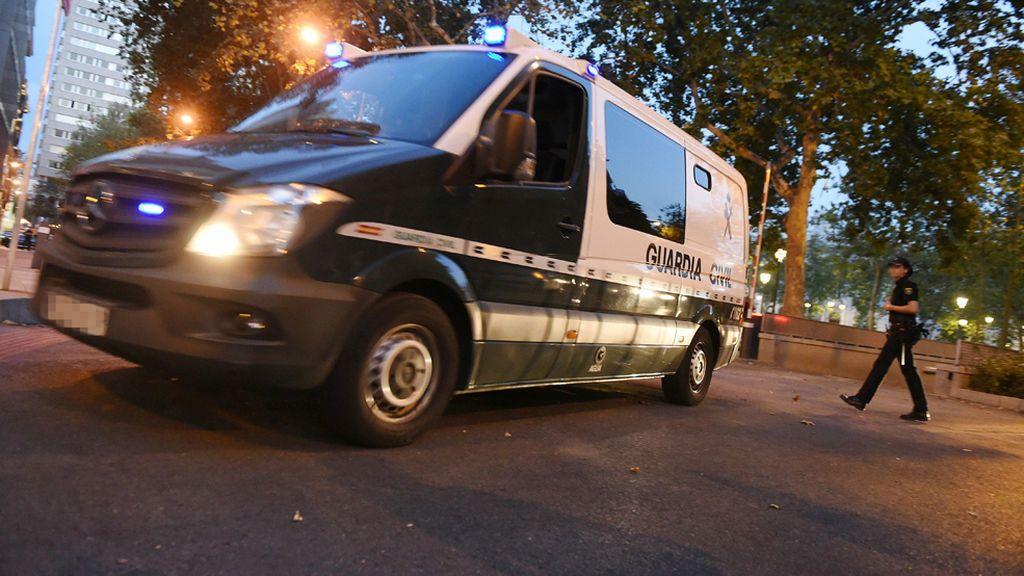 La Guardia Civil busca a una persona huida al ser identificada por la Policía de Rojales, Alicante