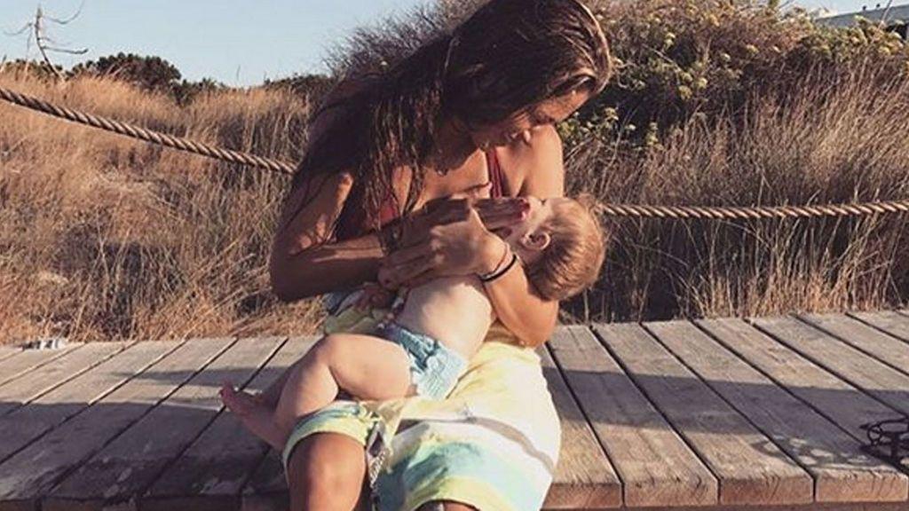 Así es el primer verano de Érika, la hija de Martina Klein y Alex Corretja