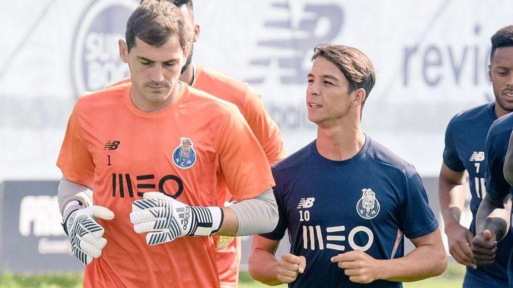 Óliver Torres contesta al 'trolleo' de Iker Casillas con un tremendo 'zasca' 😂