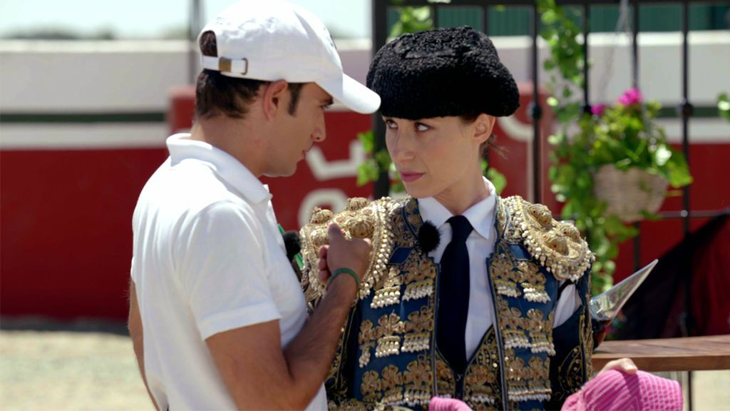 El avatar de Adrianne se viste de torera para impresionar a Alejandro