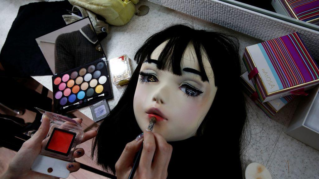 Esta modelo japonesa es toda una muñeca vivente