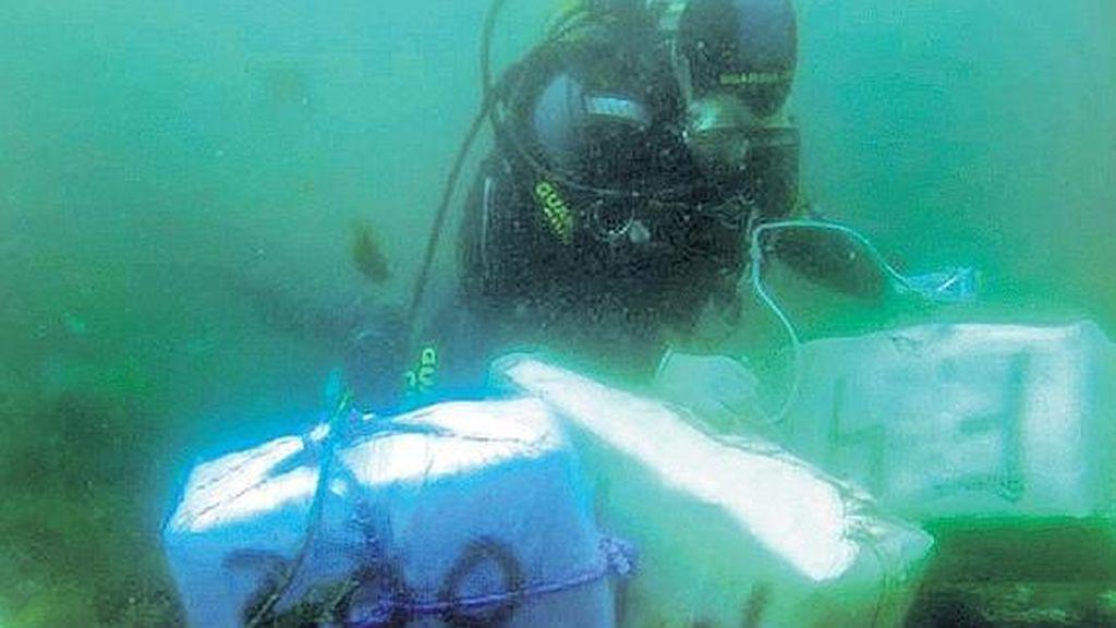 Rescatan en el mar más 1.280 kilos de hachís en Cádiz