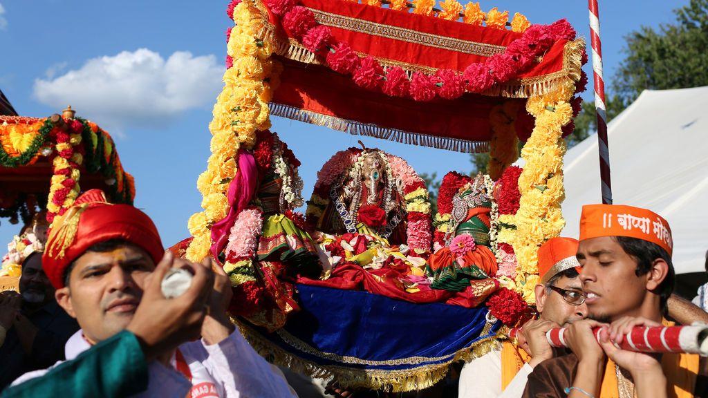 El primer día de Ganesha Chaturthi, en el Templo Bharathiya en Chalfont, Pensilvania