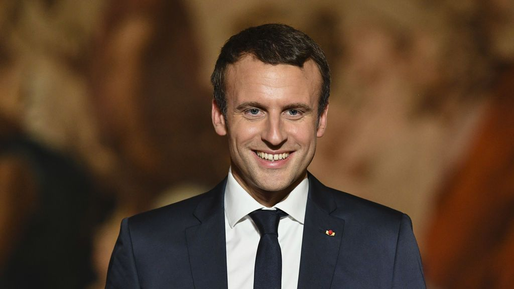 Emmanuel Macron se gasta 26.000€ en maquillaje en tres meses