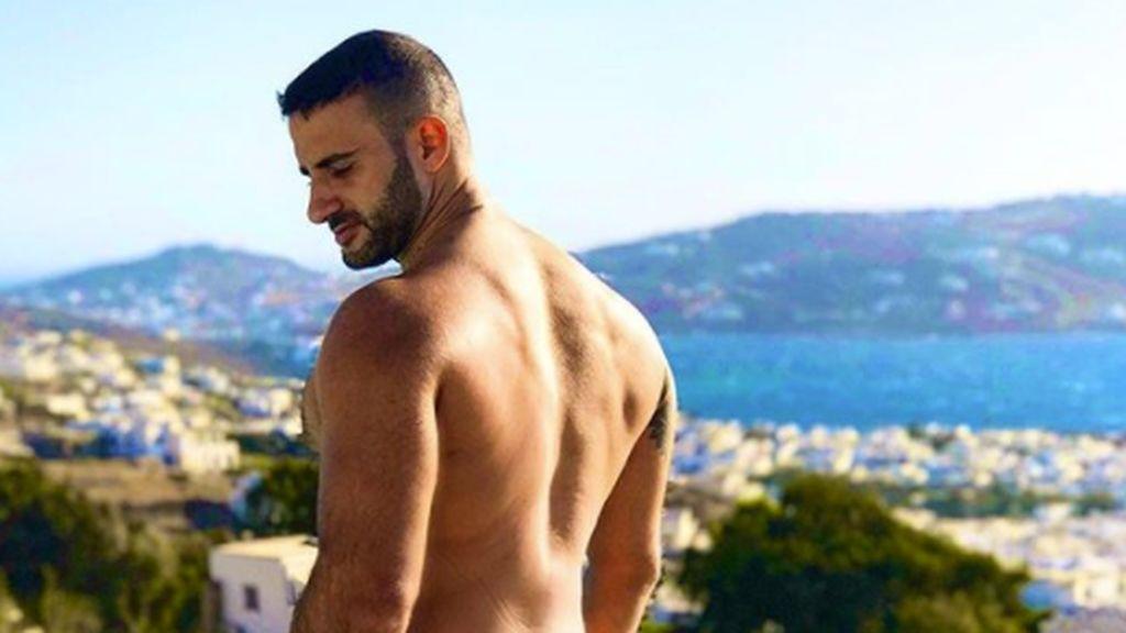 Eliad Cohen se marca un 'Jorge Javier' y se desnuda en redes