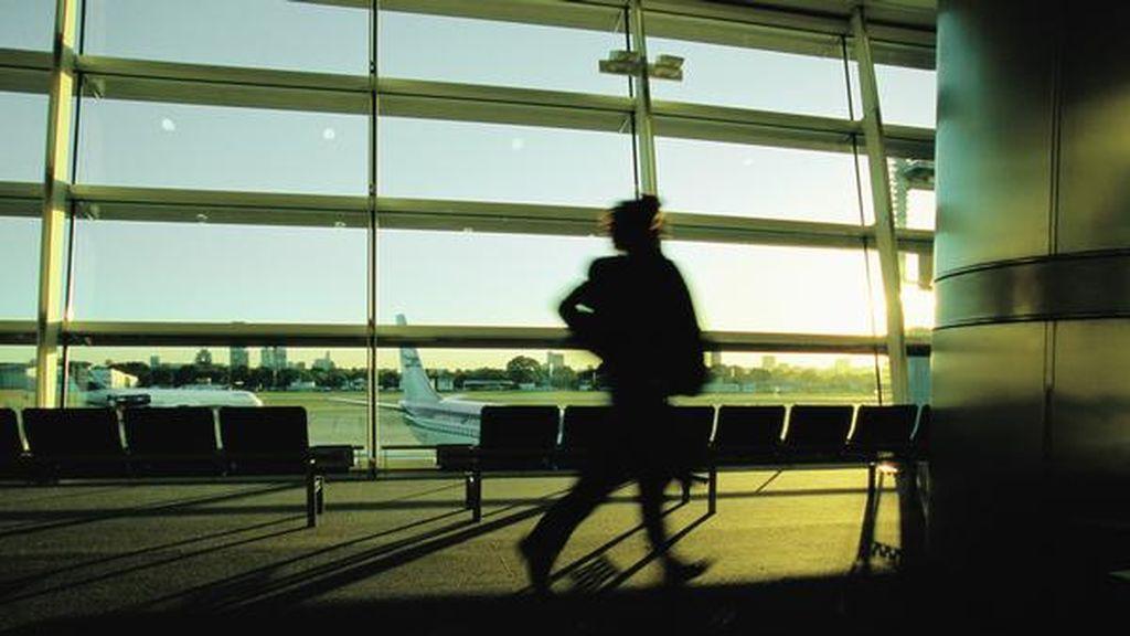 Pierde una lápida en el aeropuerto de Dublín y no la reclama
