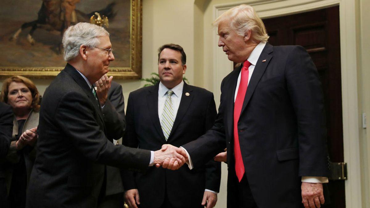 """La Casa Blanca asegura que Trump y McConnell continúan """"unidos"""" a pesar de los encontronazos"""