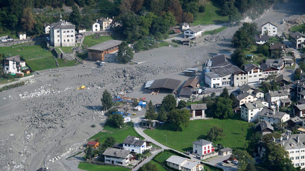 Una segunda avalancha en Suiza dificulta las labores de búsqueda de las ocho personas sepultadas