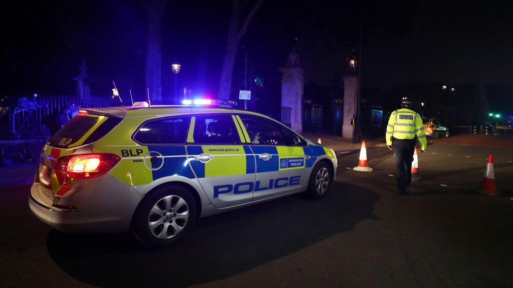 La Policía abre una investigación por terrorismo sobre el ataque con cuchillo cerca de Buckingham