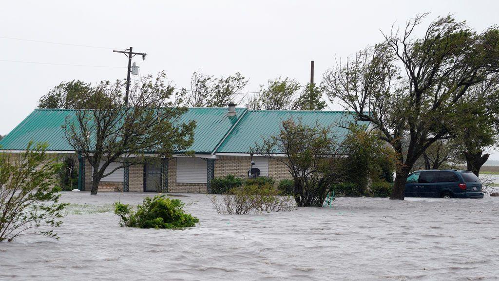 Confirmada en Rockport la primera víctima mortal de 'Harvey' a su paso por Texas