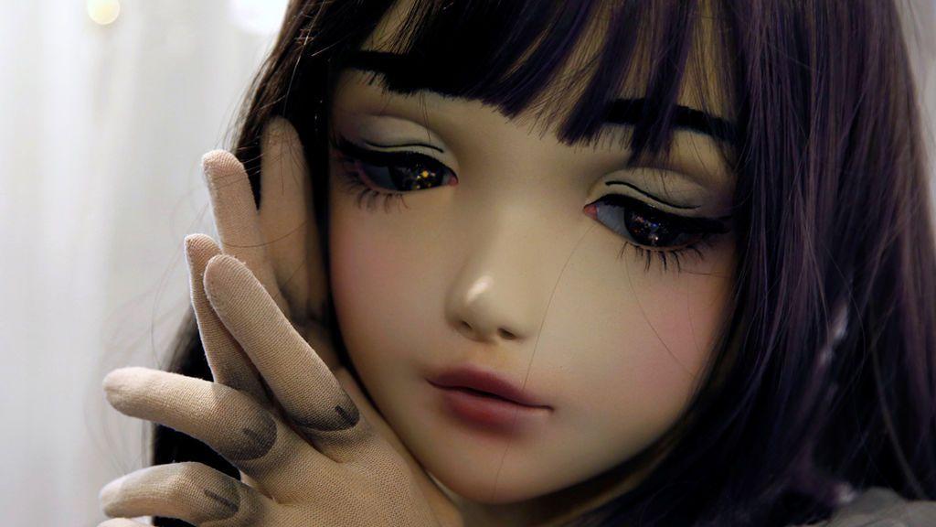 Muñeca humana en Japón