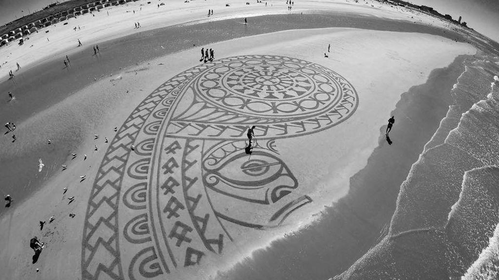 Arte callejero en la playa: crea impresionantes dibujos en la arena