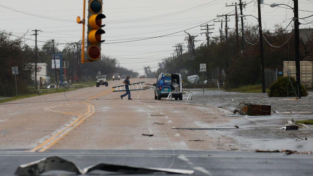 Texas declara la situación de desastre en 50 condados tras el paso del 'Harvey'