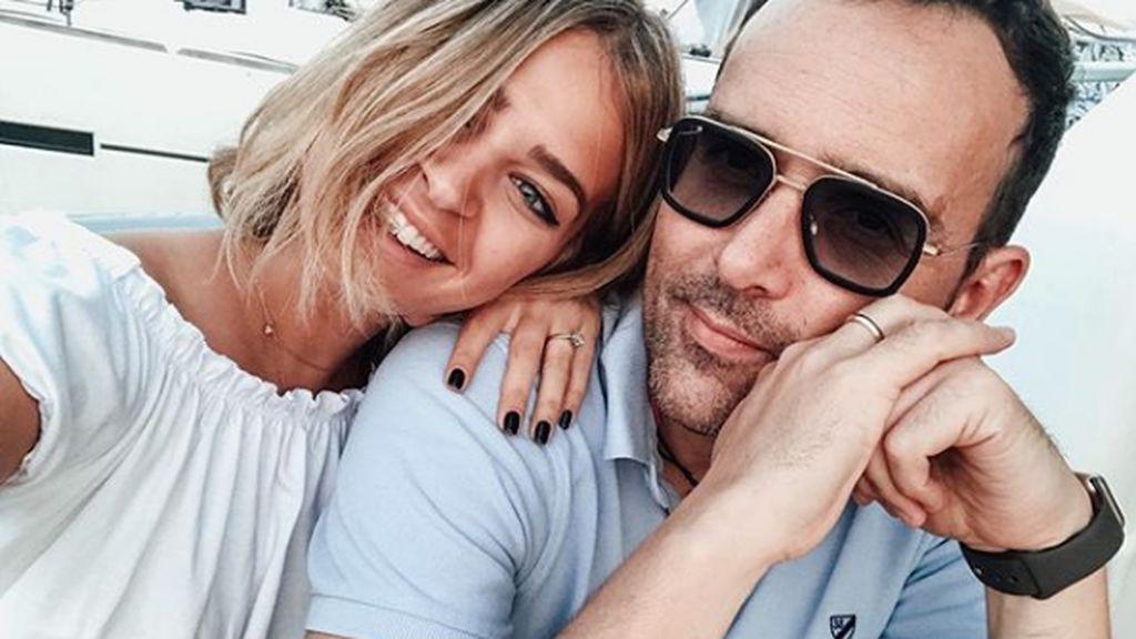 """Laura Escanes y Risto Mejide se besan apasionadamente en redes: """"Te amaré para siempre"""""""