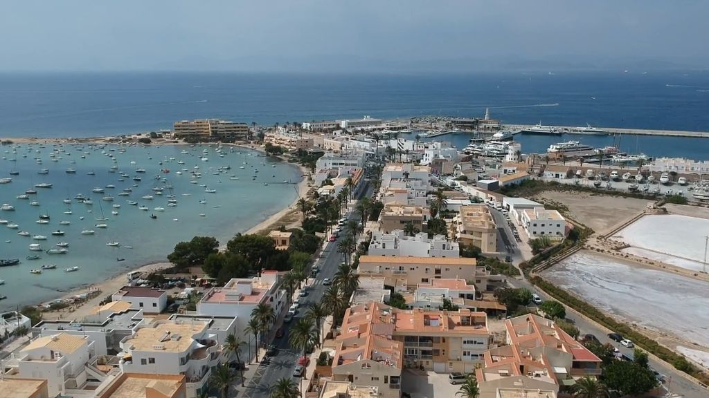 Formentera, la isla que cada verano cuadruplica su población, 'En el punto de mira'