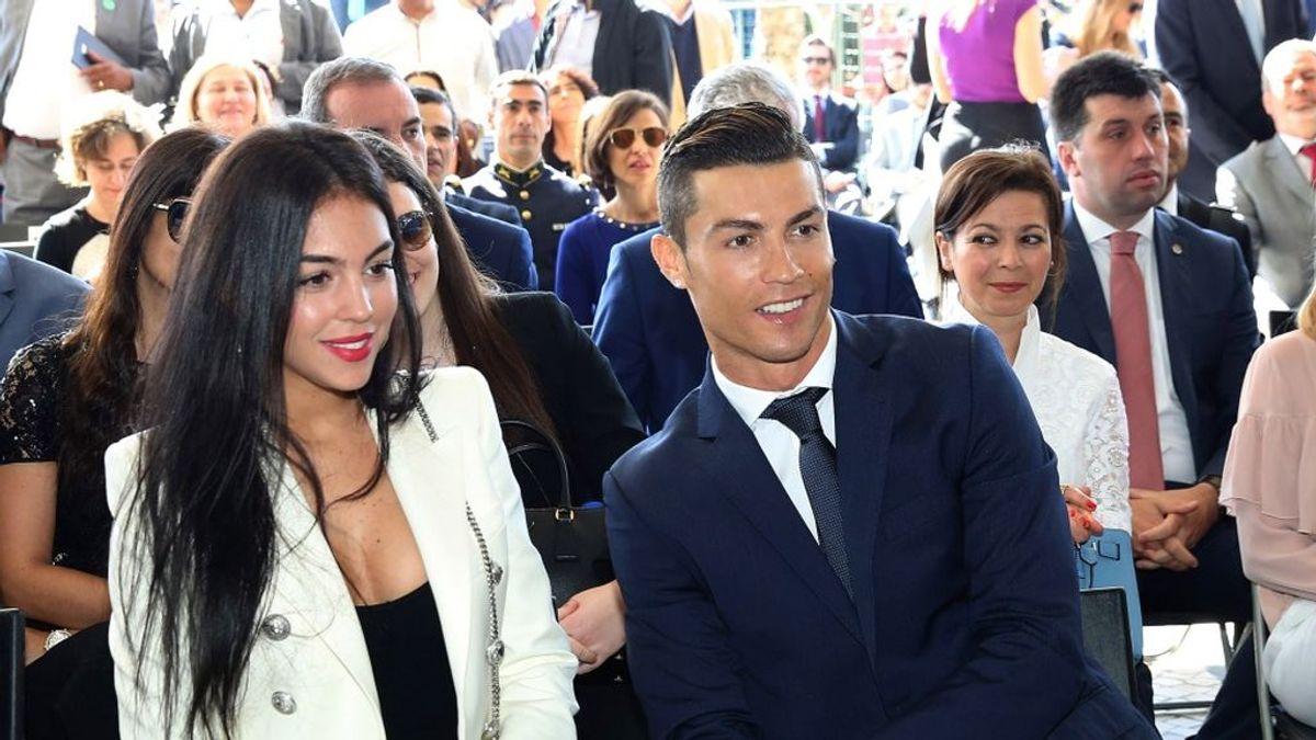 Cristiano Ronaldo comparte por primera vez una foto de la familia al completo