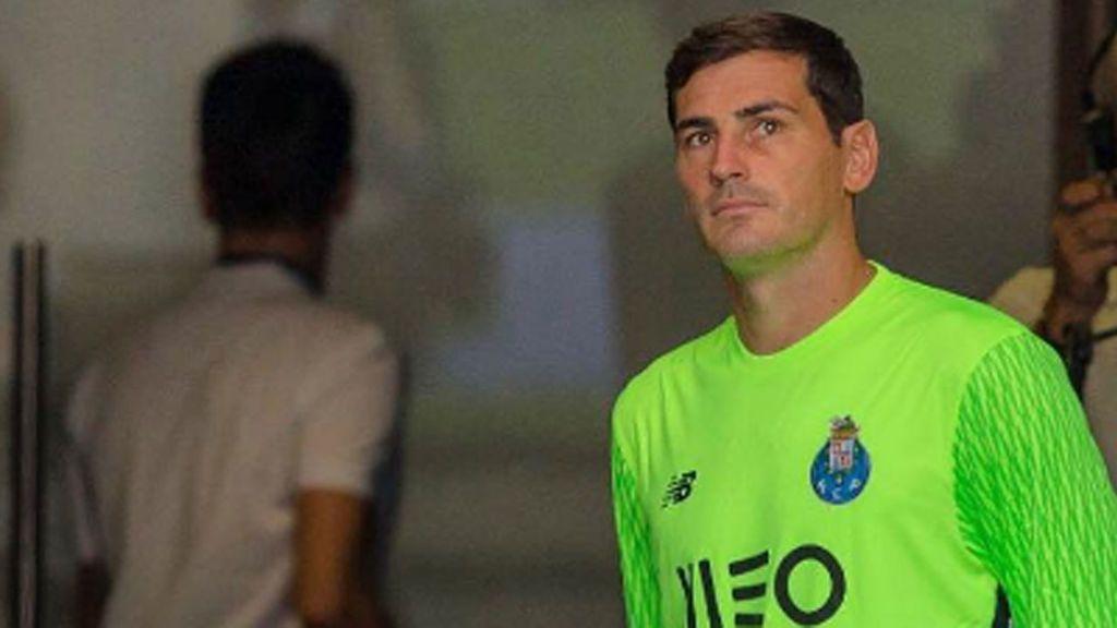 Iker Casillas se une al último fenómeno de Twitter: así fue su historia a lo Manuel Bartual