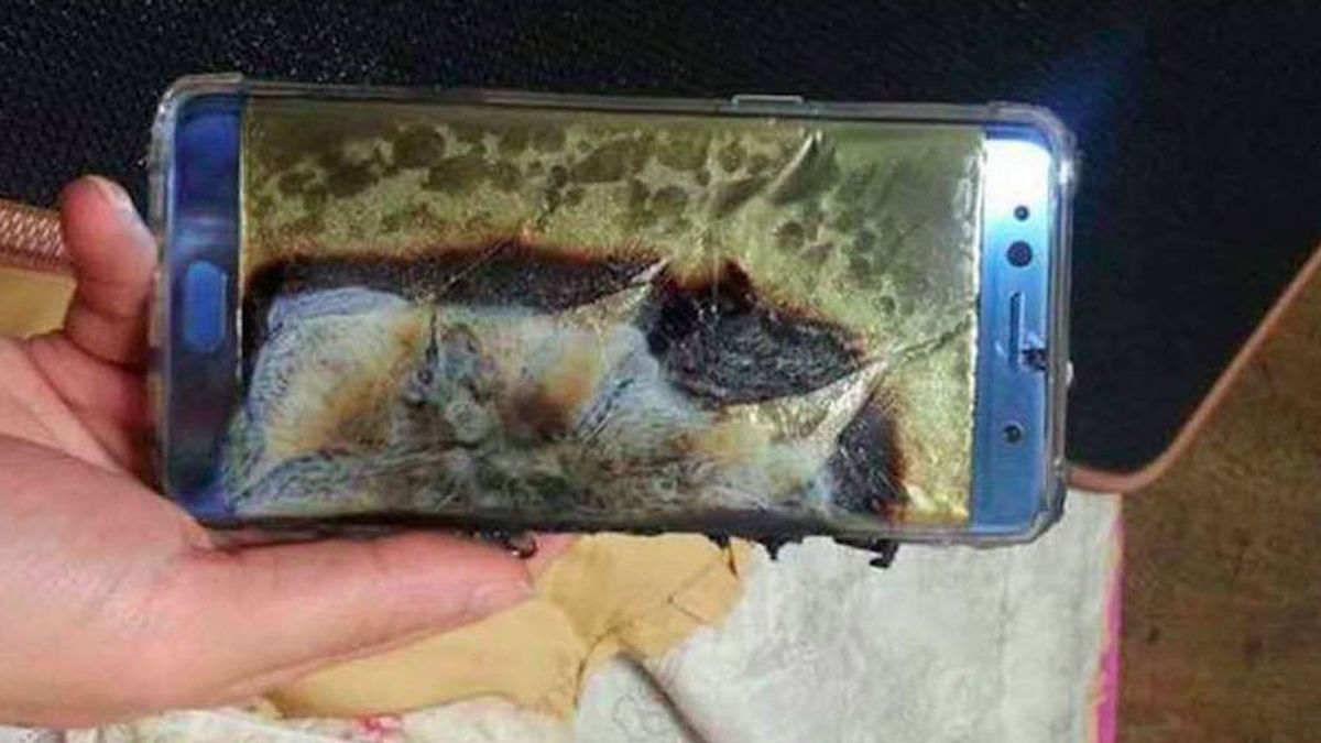 Herido con quemaduras al explotarle un teléfono móvil en las manos en Vigo