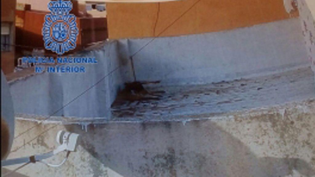 Detenida una mujer en Algeciras por dejar morir a su perro atado y desatendido en una azotea