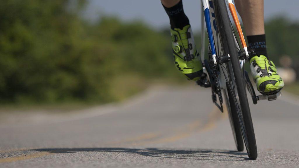 Muere un ciclista de 50 años tras ser atropellado por un camión en León