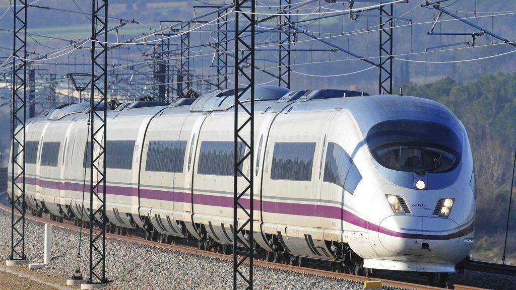 Una veintena de trenes AVE, entre ellos el de Madrid-Toledo, registran retrasos de hasta 45 minutos por una avería