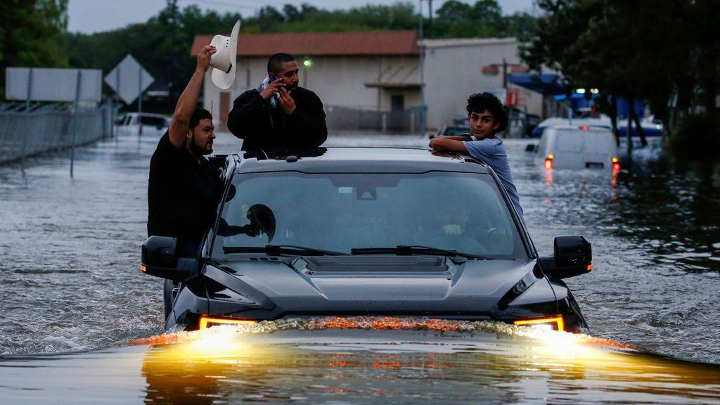 El Centro Nacional de Huracanes prevé que las fuertes lluvias de Harvey empeoren
