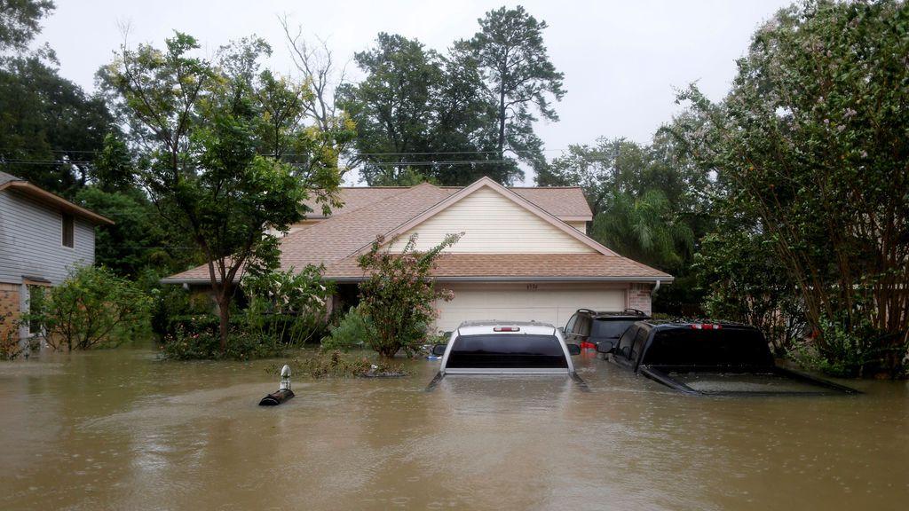 Una madre muere salvando a su hija durante la tormenta Harvey