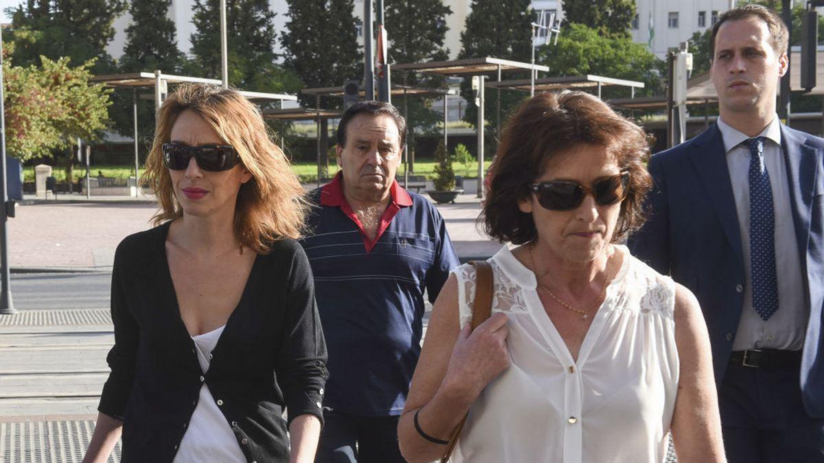 Los padres y los hermanos de Juana Rivas se acogen a su derecho a no declarar