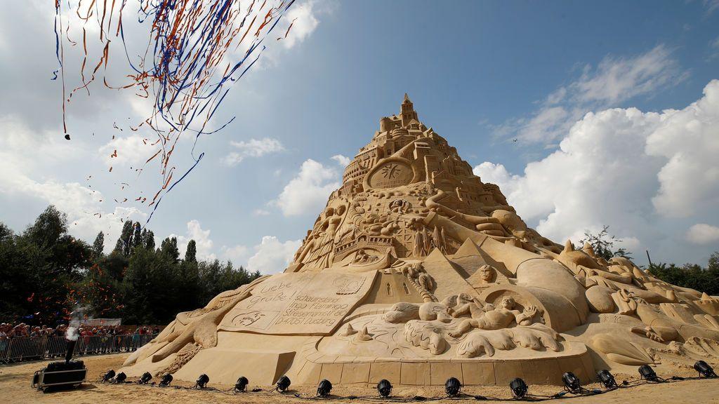16,68 metros de castillo de arena; el más grande del mundo según el jurado del Guinness World Records