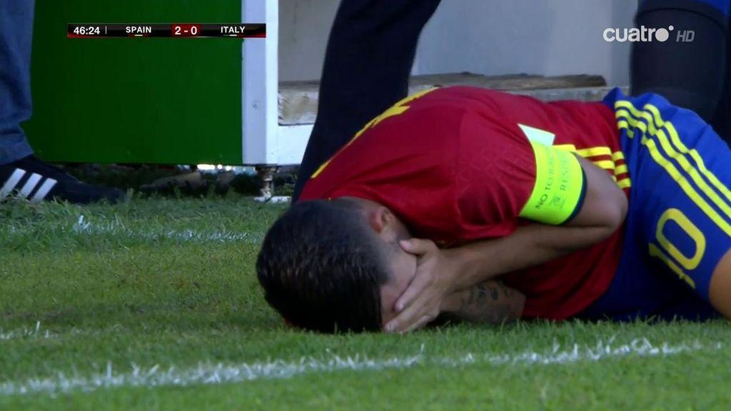 ¡Lamentable manotazo de Pezzella a Ceballos que lo dejó tirado en el suelo!